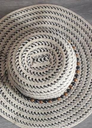 Шляпа из бумажной соломки