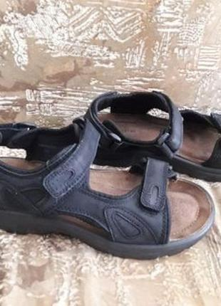 Кожаные сандалии amber 42 р