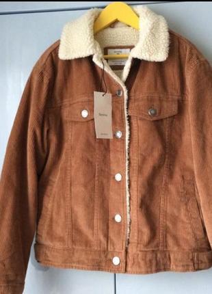 Утепленная вельветовая курточка на меху bershka (sherpa) шерпа