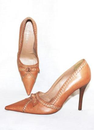 Туфли-лодочки бежевые кожа george, бразилия