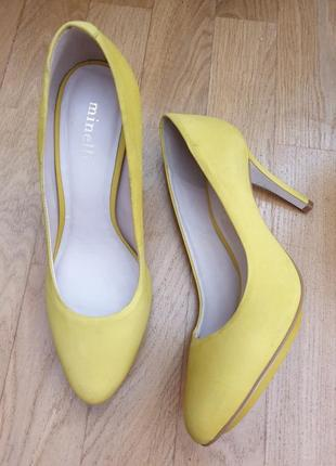 Супер яркие туфли из нат.нубука