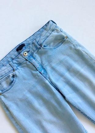 Светло-голубые джинсы размер s3 фото