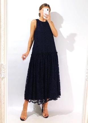 Кружевное платье свободного кроя