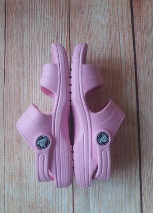 Босоножки сандалии crocs оригинал на девочку.3 фото
