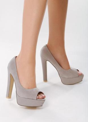 Новые женские серые туфли на высоком каблуке