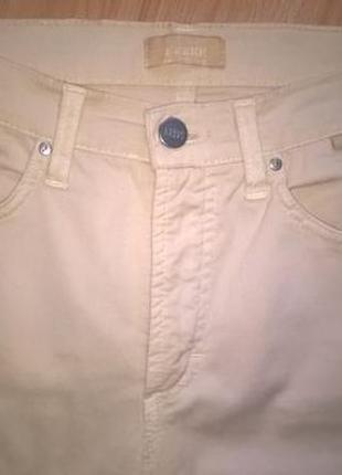 Тонкие джинсы брюки gianfranco ferre 26р. 40 ит. оригинал италия