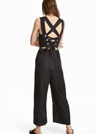 Стильный комбинезон со шнуровкой на спине и брюками кюлот от h&m размер xl.