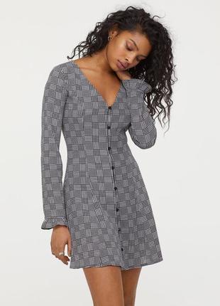 Новое трендовое платье в клетку,короткое платье на пуговках с вырезом,шифоновое платье h&m