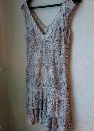 Платье модное актуальное