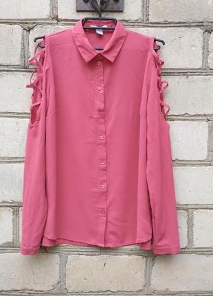 Блуза рубашка с переплетами на плечах