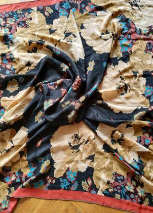 Большой шелковый платок