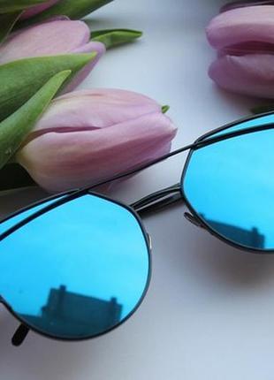 Новые стильные очки (царапина на стекле) синие зеркальные
