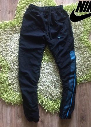 Спортивные штаны от фирмы nike