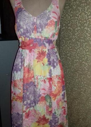 Интересное платье летней расцветки
