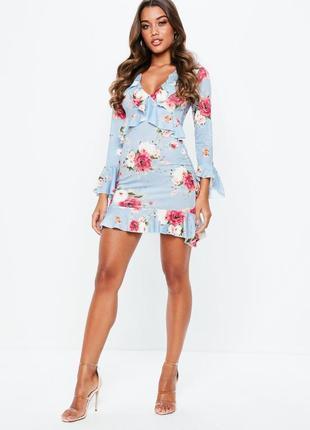 Шикарное платье с воланами missguided