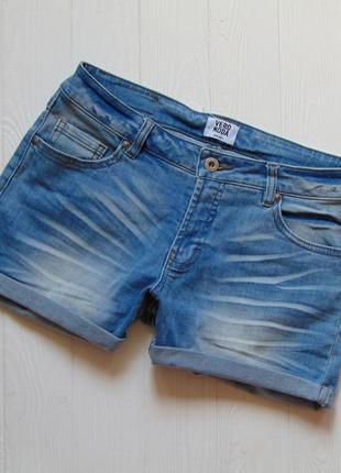 Vero moda. размер s-m. стильные джинсовые шорты для девушки