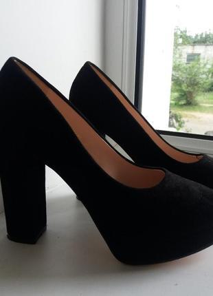 Туфли замшевые новые!!