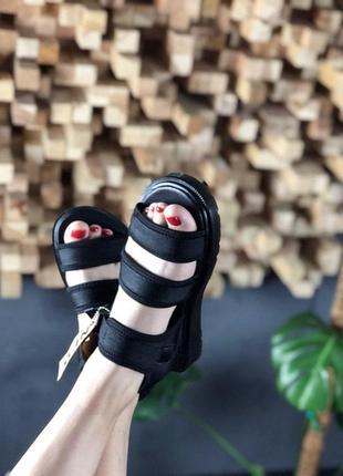 Женские летние тапочки \ сандали \сланцы dr martens sandals full black.