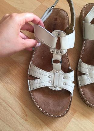 Кожаные сандали босоножки clarks