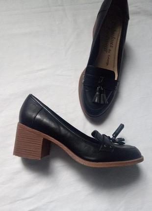 Туфли на устойчивом каблуке george