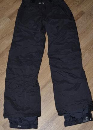 Черные фирменные штаны для занятия горнолыжным спортом