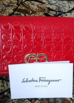 Кожанный яркий кошелёк salvatore ferragamo