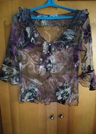 Красивая нежная блузка.