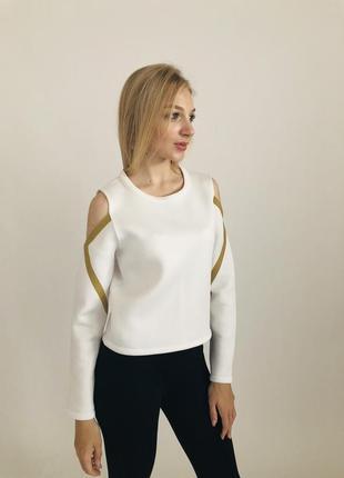 Отличный женский свитшот с открытыми плечами. стильно и актуально. desigual