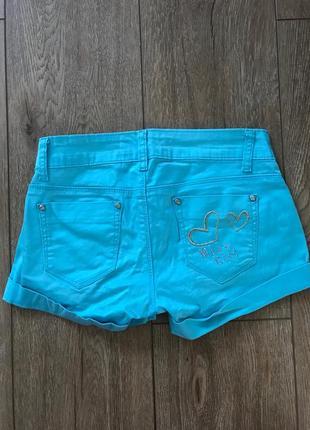 Голубые шортики