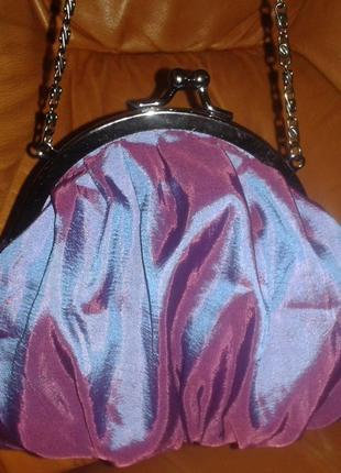 Атласна фіолетова міні сумочка на ланцюжку