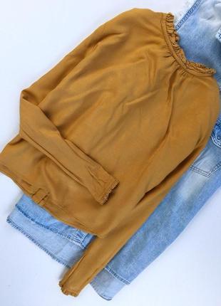 Вискозная укороченная блуза с пуговицами на спинке