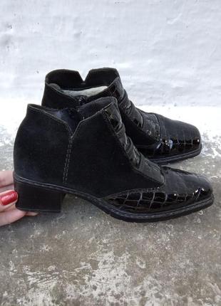 36р/24 красивые черные замшевые зимние ботиночки,лаковая кожа,овчина.
