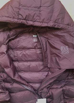 Легкая куртка на пуху uniqlo, складывается в мешочек, на бирочке размер l4 фото