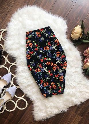 Стильная юбка миди в цветах