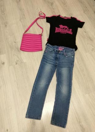Фирменные джинсы для девочек+ футболка в подарок.