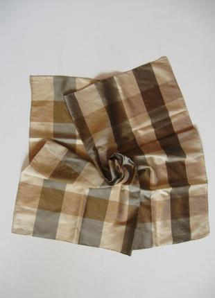Клетчатый шелковый платок - родом из швейцарии!