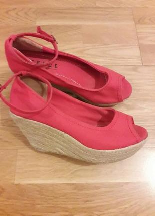 Туфли с открытым носком, босоножки на платформе office london р.38