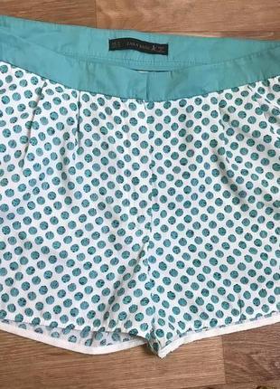 Стильные легкие шорты