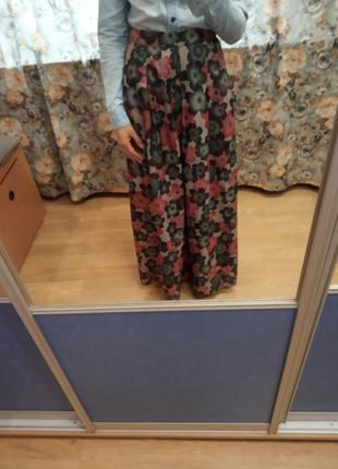 Красивая нарядная макси юбка в цветочный принт в цветы размер с.