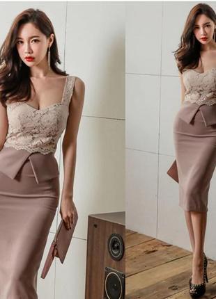 Красивое платье с кружевным топом