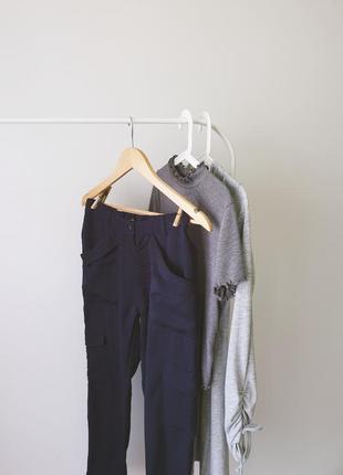 Штани з накладними кишенями