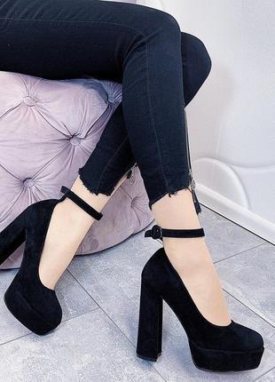 Новые женские черные туфли на высоком каблуке