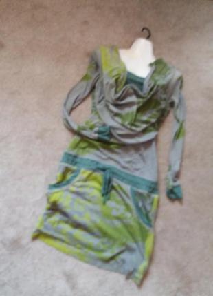 Платье спортивного типа бренд--l                  распродажа
