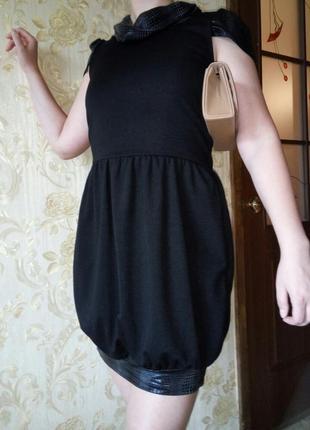 Черное короткое платье-баллон размер s