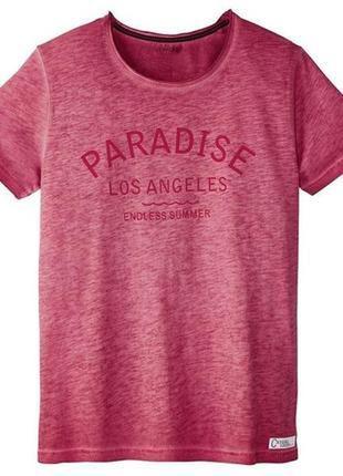 Мужская стильная розовая футболка