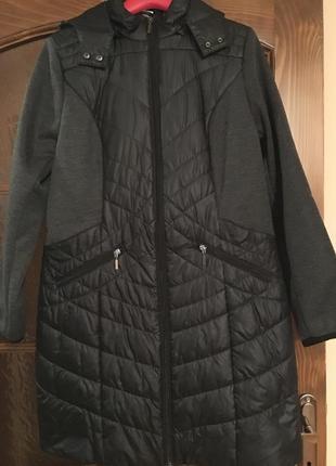 Стёганная куртка с вставками и съёмным капюшоно paola 38