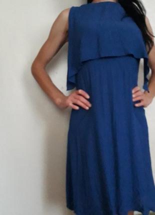 Очень хорошенькое платье синего цвета