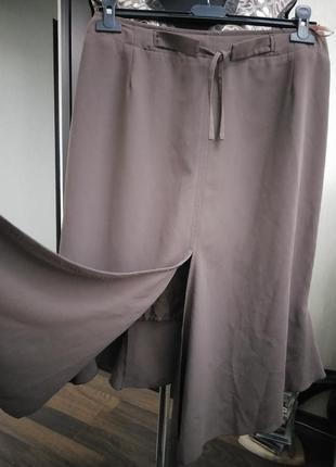 Оригинальная дизайнерская юбка в стиле годе с асимметричными элементами3 фото