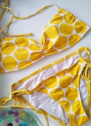 Желтый купальник: бандо и бикини