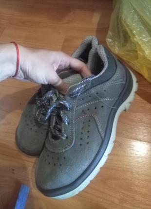 Туфли ботинки с жестким носиком